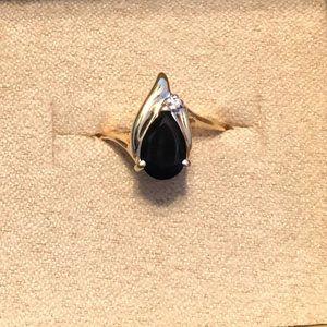 Jewelry - 14k yellow gold black onyx ring